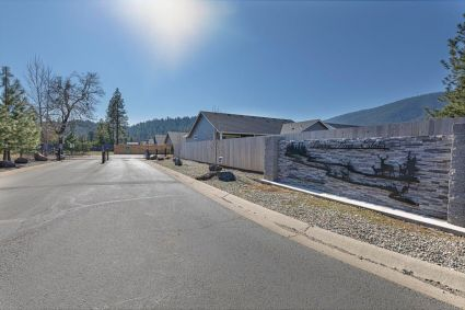 265 Pomeroy View Dr, Cave Junction, OR 97523, #220117301
