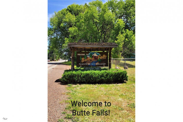 343 Broad St, Butte Falls, OR 97522